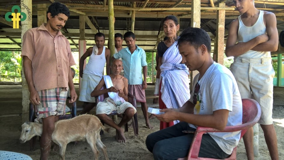 Image 12: TCF team conducting a veterinary camp in Jhapooripather village.